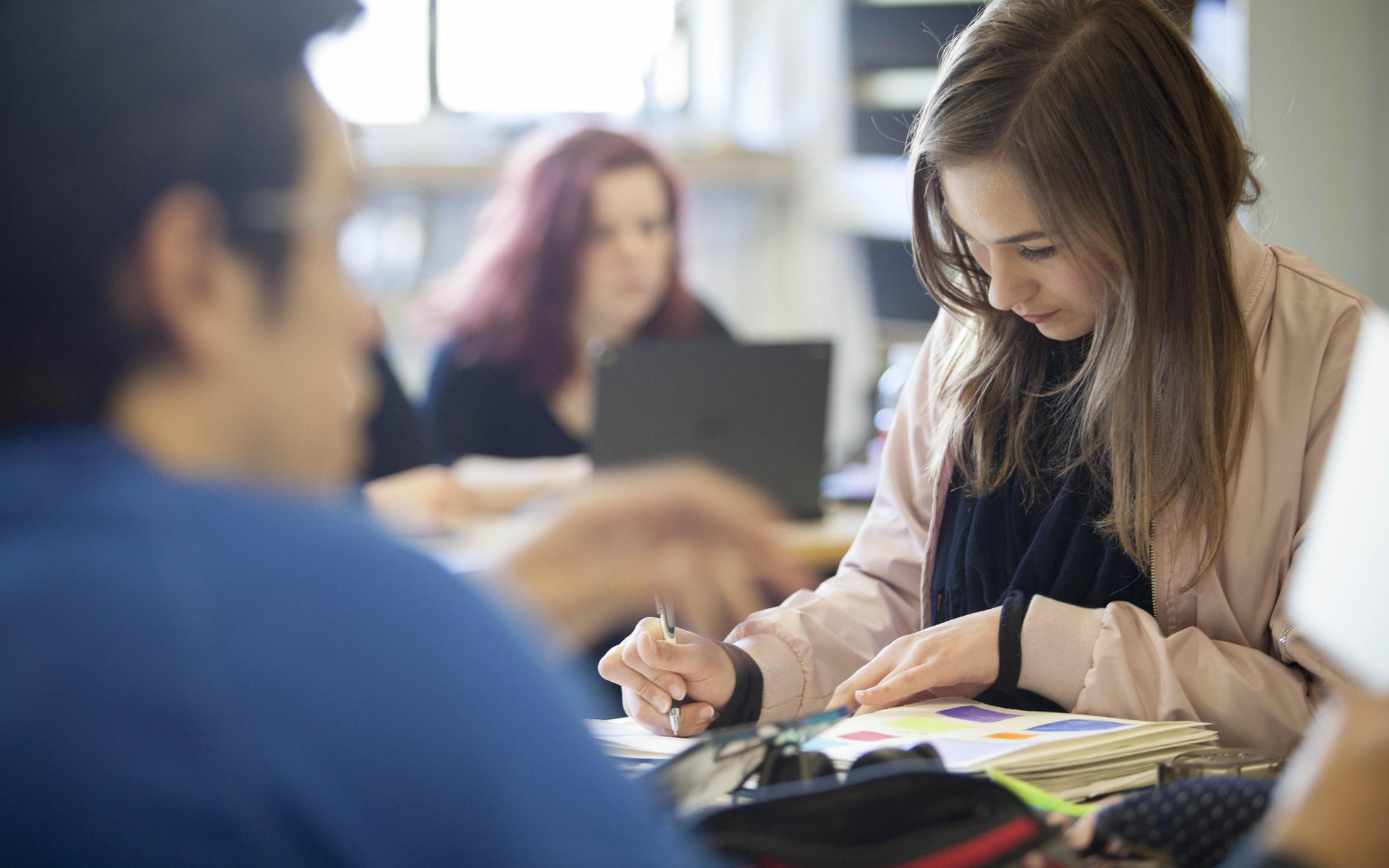 Students of the High School Equivalency (ABE) program in class